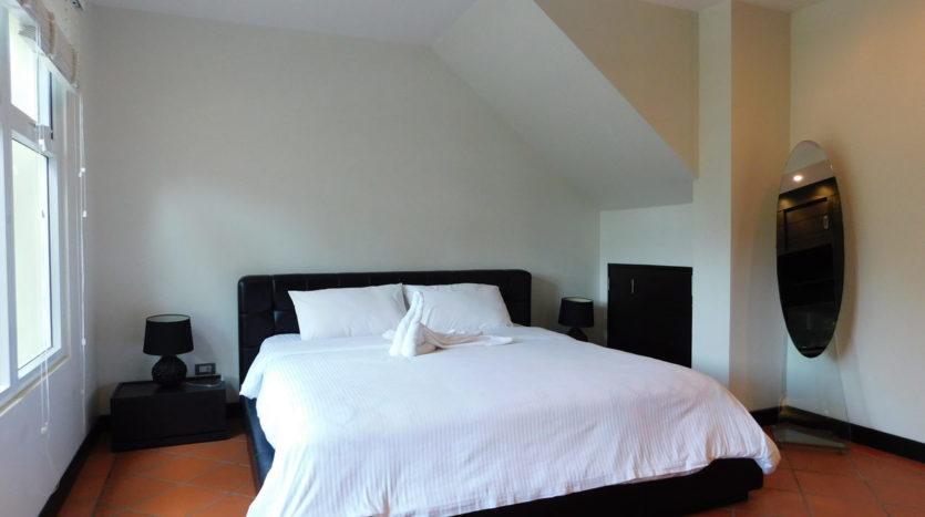 Et Hus Real Estate Villa NaiHarn Beach For Sale Rent (19)