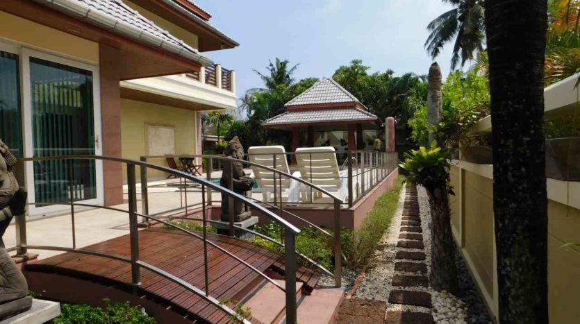 Et Hus Real Estate Villa NaiHarn Beach For Sale Rent (3)
