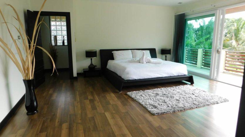 Et Hus Real Estate Villa NaiHarn Beach For Sale Rent (33)