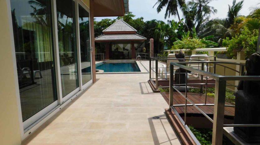 Et Hus Real Estate Villa NaiHarn Beach For Sale Rent (4)