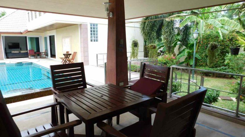 Et Hus Real Estate Villa NaiHarn Beach For Sale Rent (6)
