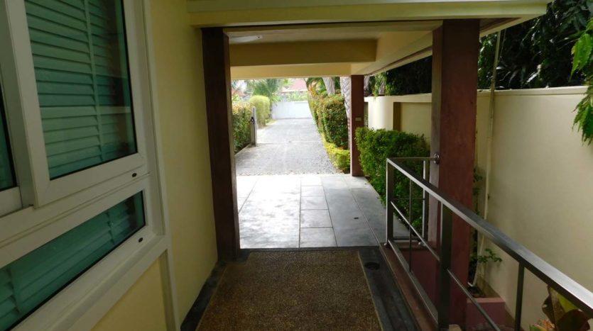 Et Hus Real Estate Villa NaiHarn Beach For Sale Rent (63)