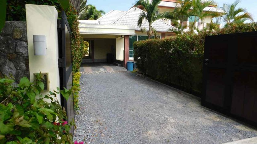 Et Hus Real Estate Villa NaiHarn Beach For Sale Rent (68)