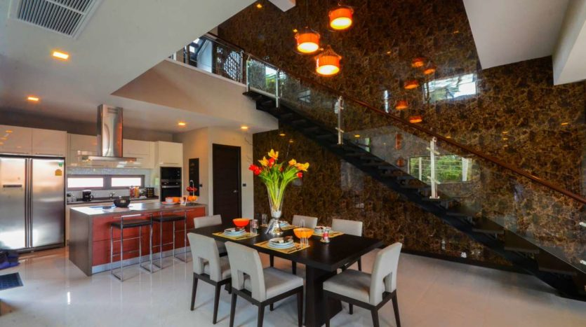 Et Hus Real Estate Rawai Beach Villa For Sale Rent (1)