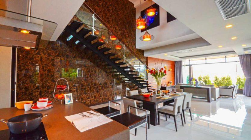 Et Hus Real Estate Rawai Beach Villa For Sale Rent (2)