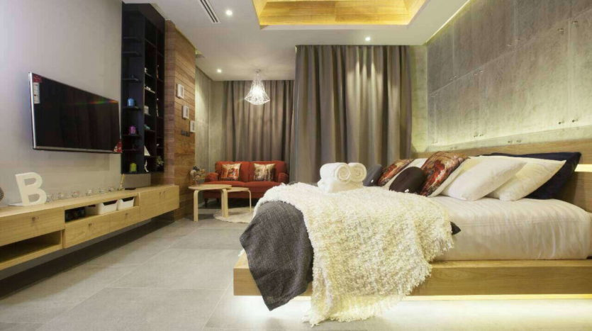 Et Hus Real Estate Condo NaiHarn Beach For Sale Rent (5)