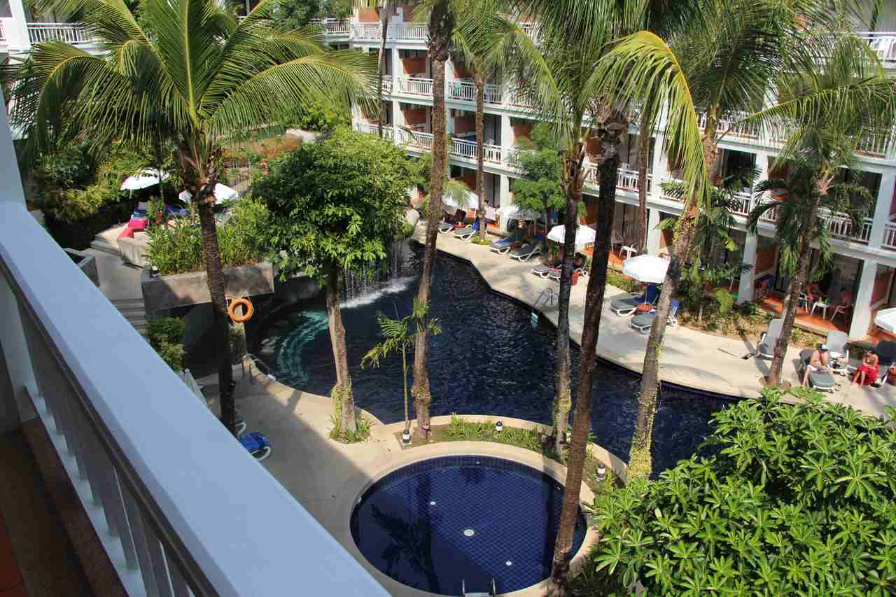 Et Hus Real Estate Condo Patong Beach For 4