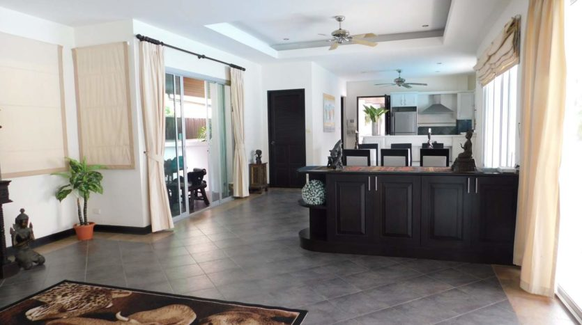 Luxury Villa For Rent Nai Harn (20)