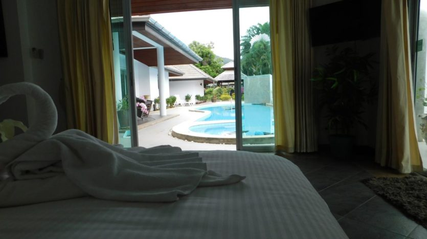 Luxury Villa For Rent Nai Harn Masterbed (3)