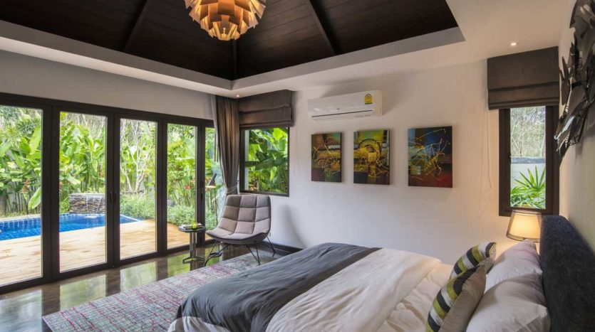 Luxury Villa For Sale Nai Harn Bedroom (1)
