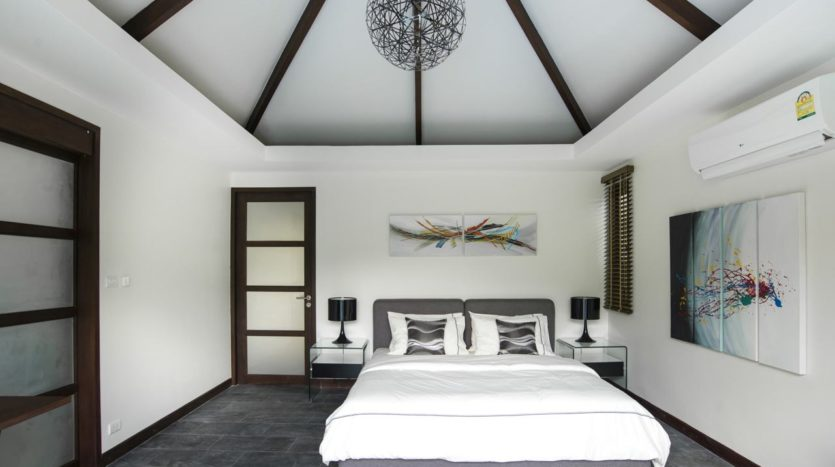 Luxury Villa For Sale Nai Harn Bedroom (13)