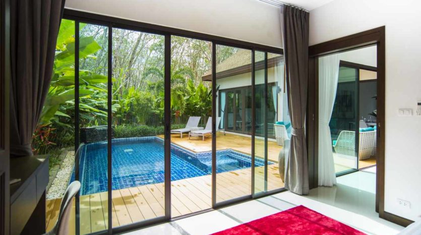 Luxury Villa For Sale Nai Harn Living (6)