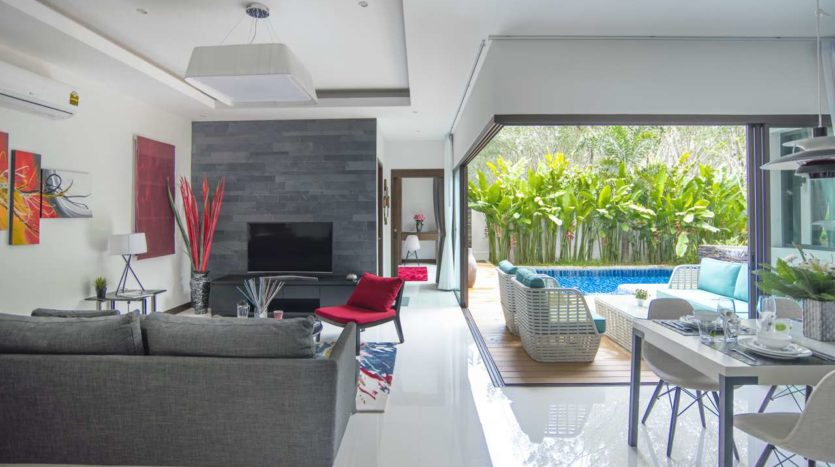 Luxury Villa For Sale Nai Harn Living Dinning (5)