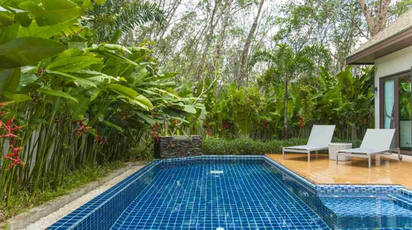 Luxury Villa For Sale Nai Harn Pool (16)