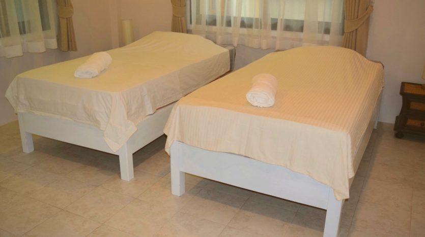 Beautiful Pool Villa In Rawai For Sale (15)bedroom2