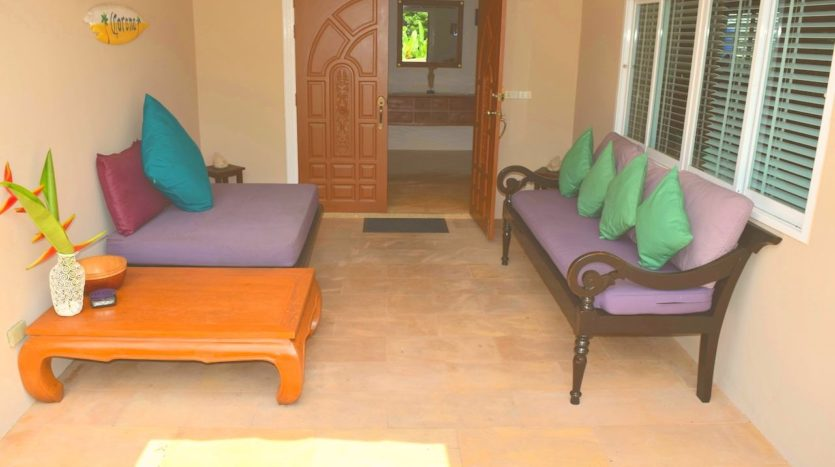 Beautiful Pool Villa In Rawai For Sale (4)living