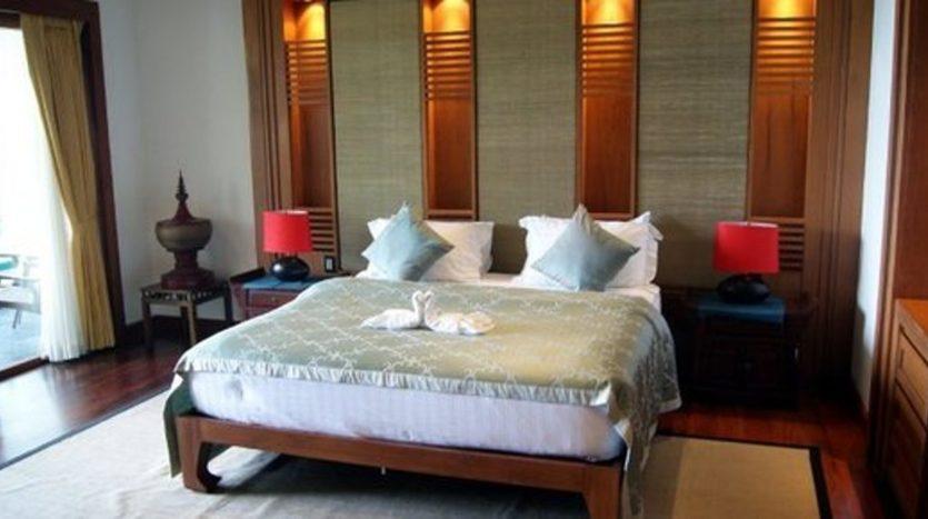 Surin Beach Luxury Seaview Villa (8)