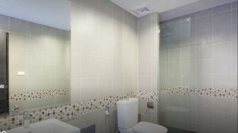 Patong Apartment For Sale Phuket Bathroom (3)