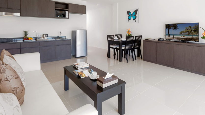 Patong Apartment For Sale Phuket Living Dining Kitchen (4)