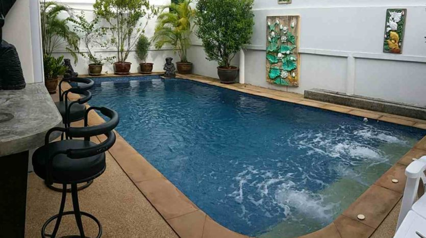 Rawai Pool House For Sale Rent Phuket Jacuzzi (19)